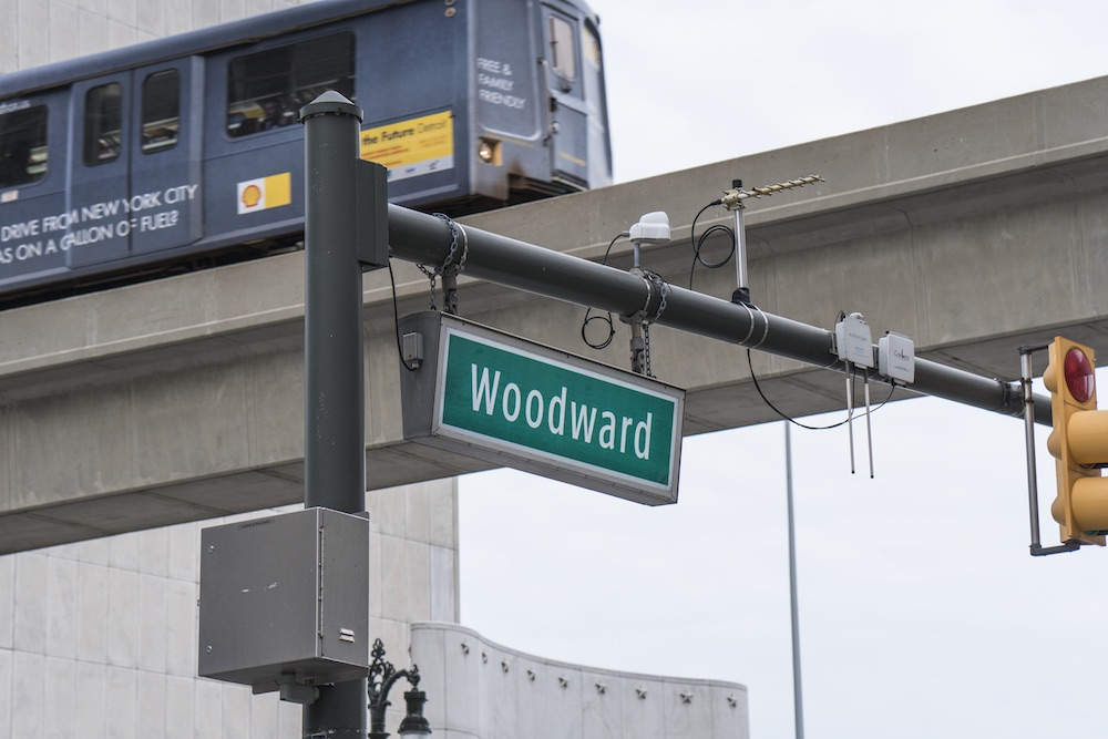 DETROIT WOODWARD AND THE PEOPLE MOVER. PHOTO KATAI