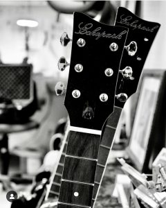 Guitars a laGabriel Currie. Photo Peter Shin