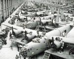 1942 B-24 PRODUCTION AT WILLOW RUN