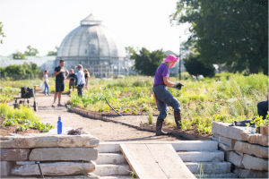 PLANTERS WORKING ON BELLE ISLE. PHOTO COURTESY OF RYAN SOUTHEN PHOTOGRAPHY