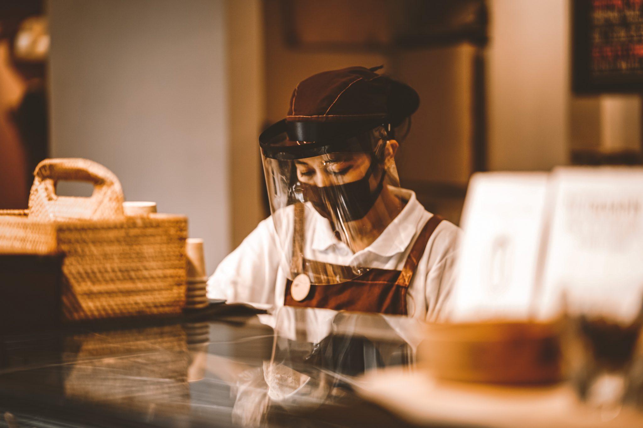 restaurants PHOTO DAPIKI MOTO ON UNSPLASH