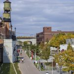 PEOPLE WALK ON THE THE DEQUINDRE CUT GREENWAY IN DETROIT, A TRANSPORTATION SYSTEM. PHOTO JOHN BOZICK