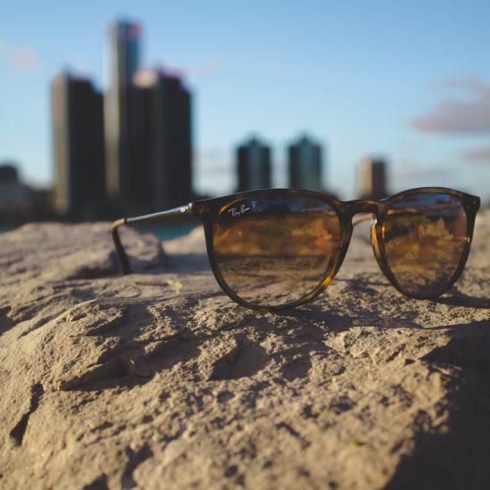 explore detroit // sunglasses on the beach/ ren cen