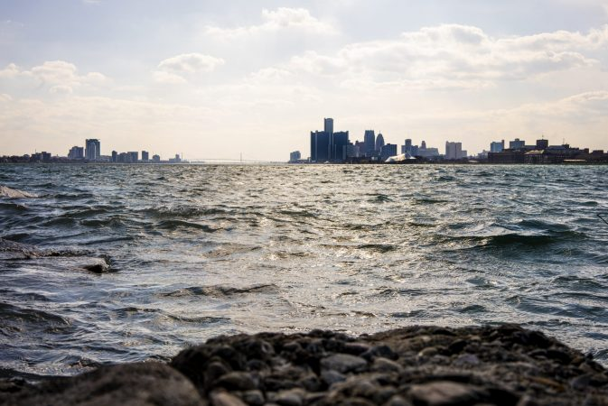 DETROIT FROM BELLE ISLE. PHOTO AMI NICOLE / ACRONYM