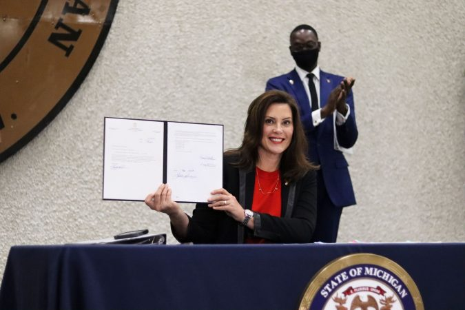 GOVERNOR WHITMER SIGNS THE BILL THAT WILL EXPAND OPPORTUNITIES FOR CRIMINAL RECORD EXPUNGEMENT. PHOTO STATE OF MICHIGAN